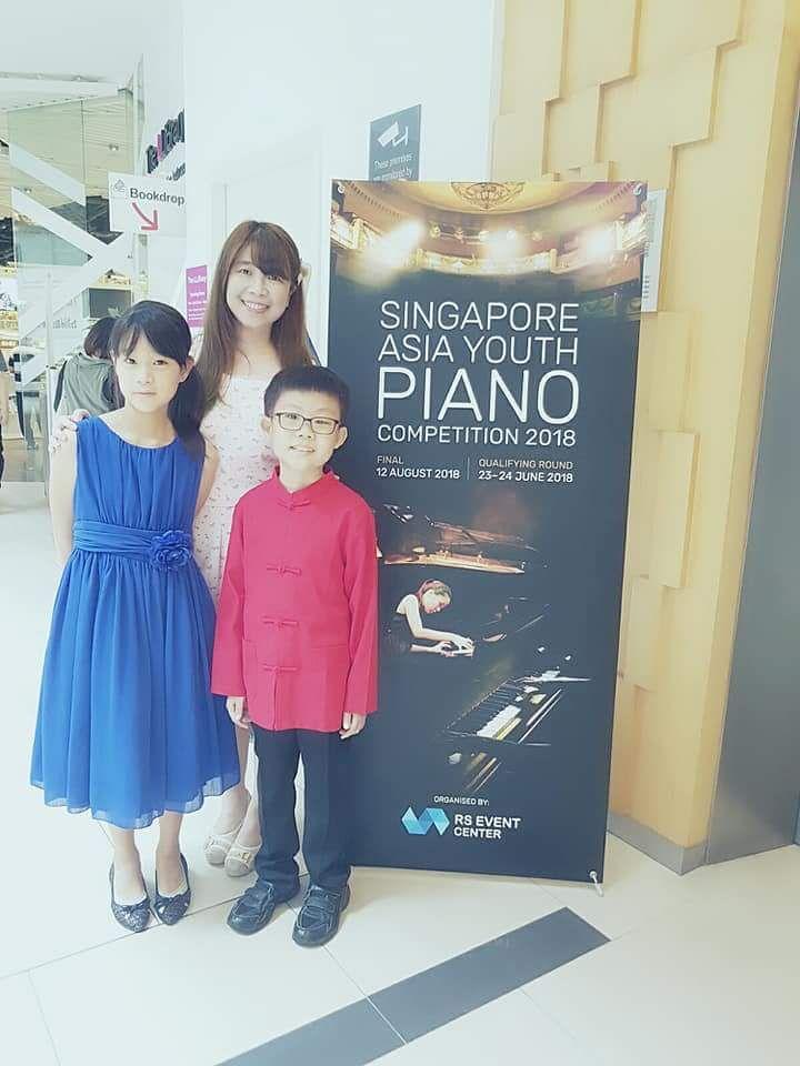 Ms Vivian: Piano Teacher Bukit Batok Singapore